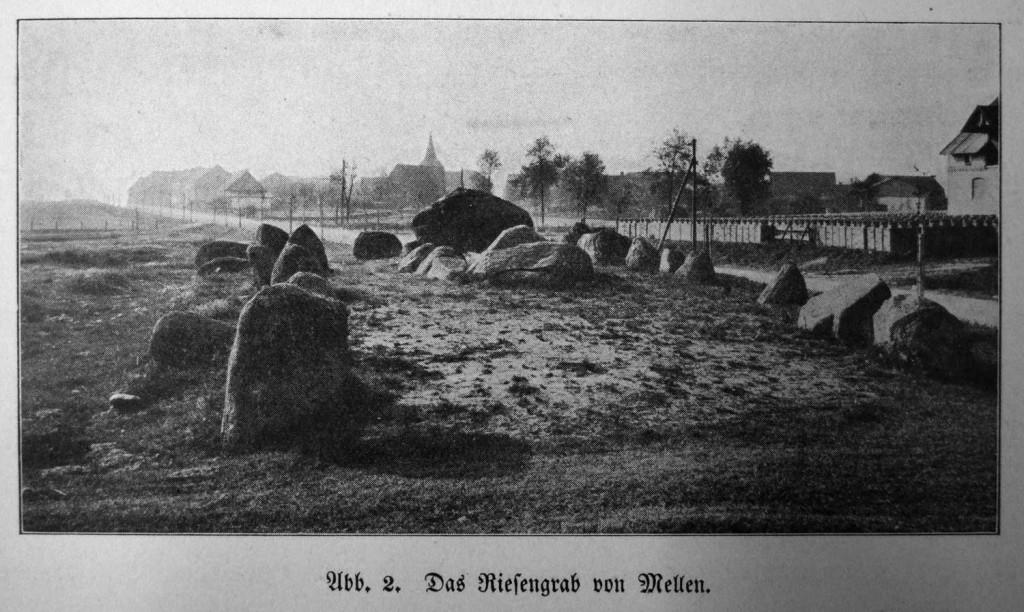 Großdolmen in Mellen mit Hünenbett um 1912. Abb. aus Goetze 1912
