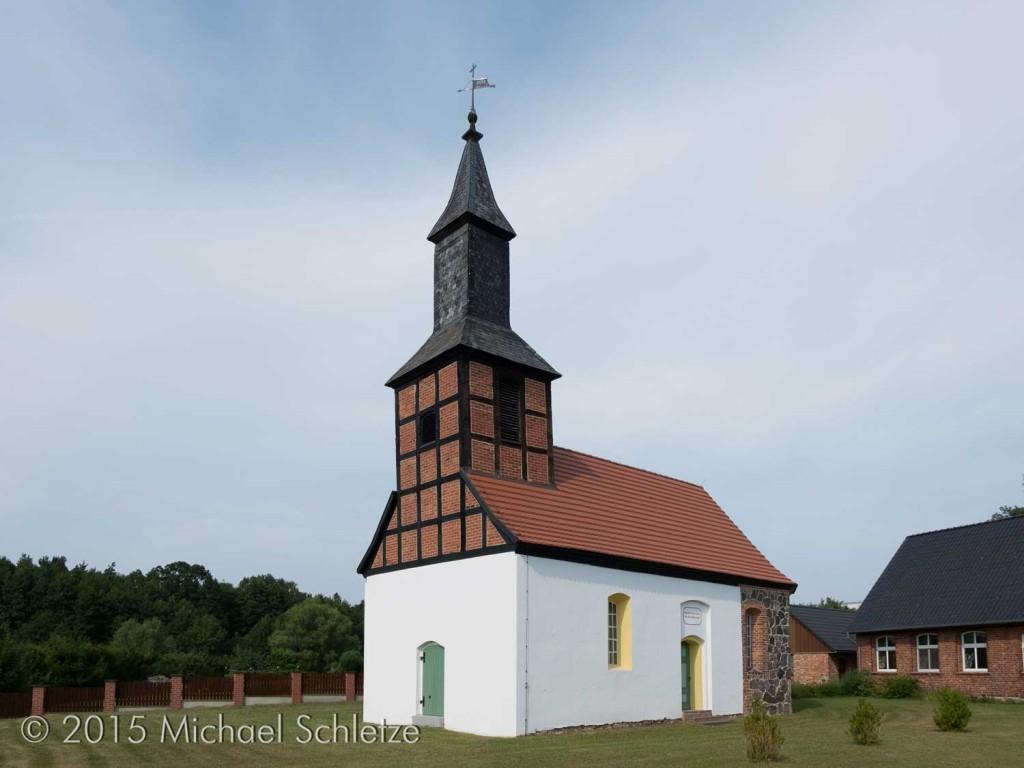 Das Lübzower Gotteshaus von Südwesten: Vom Mittelalter scheint jede Spur zu fehlen