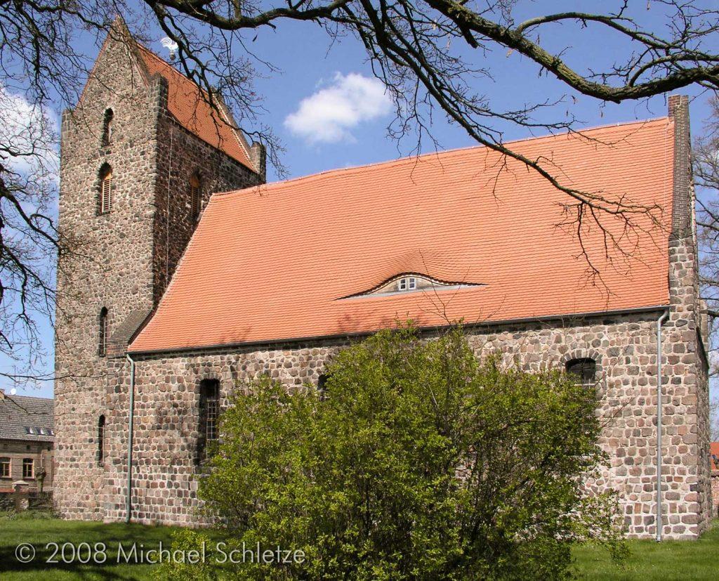 Kirche Zinndorf von Süden