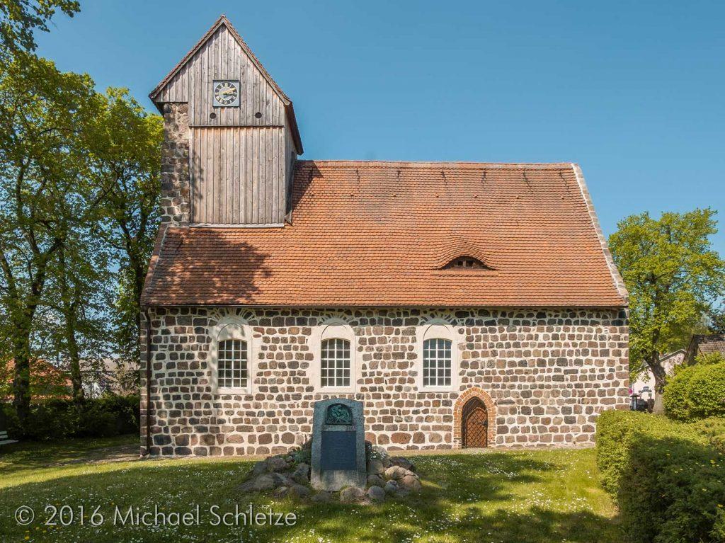 Dorfkirche Kampehl von Süden