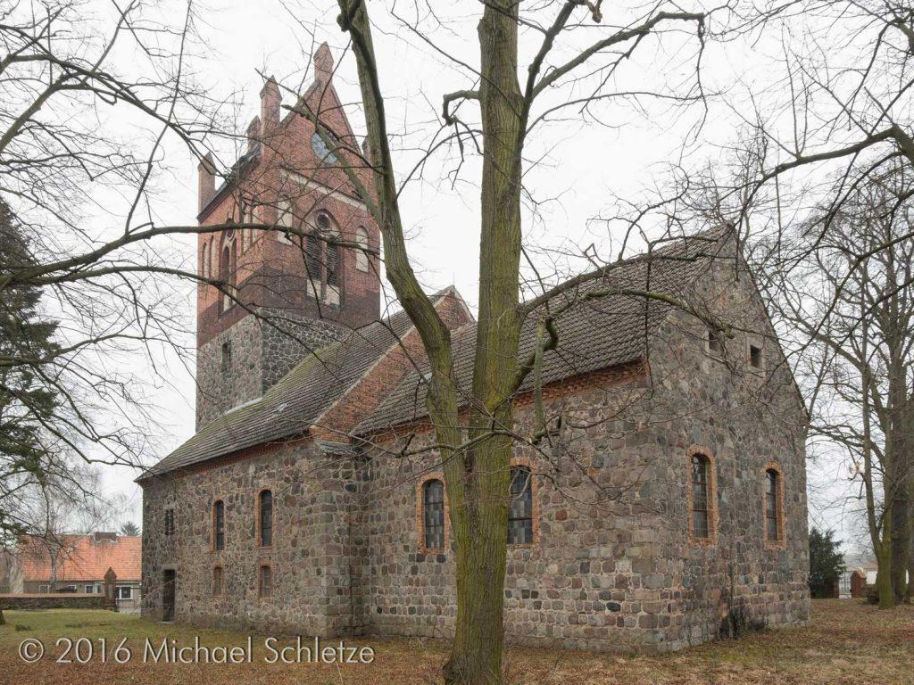 Hasenfeldes Kirche von Südosten: Ältestes Bauglied ist der Chor
