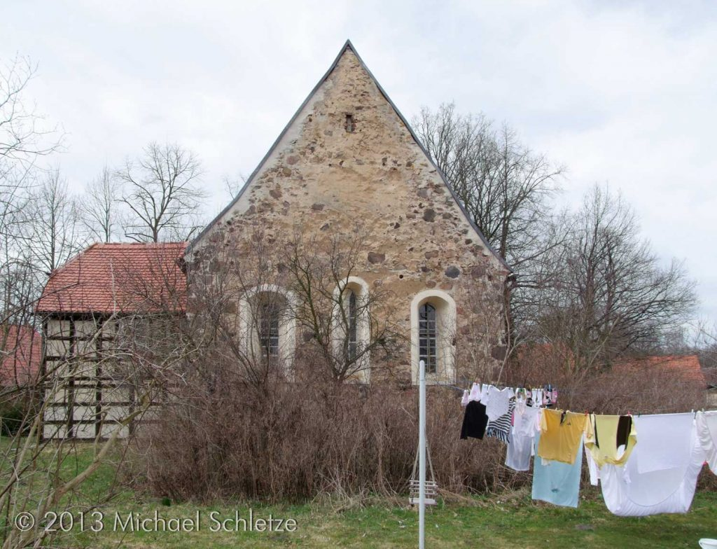 Das Mittelfenster im Osten hat seine ursprüngliche Form bewahrt