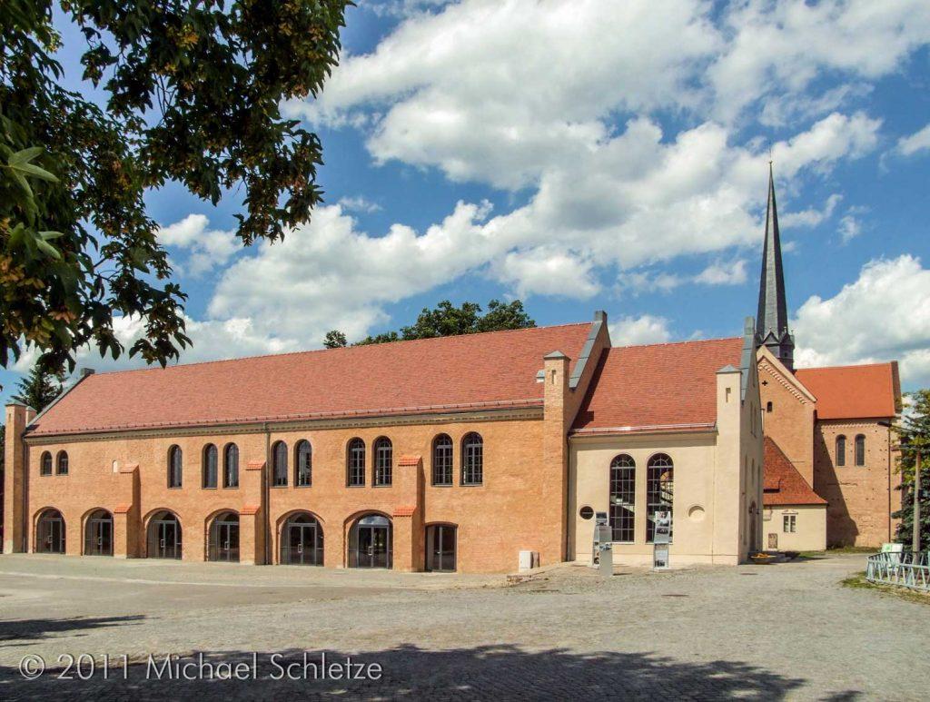 Frisch renoviert und neu genutzt: Der Südflügel im Sommer 2011