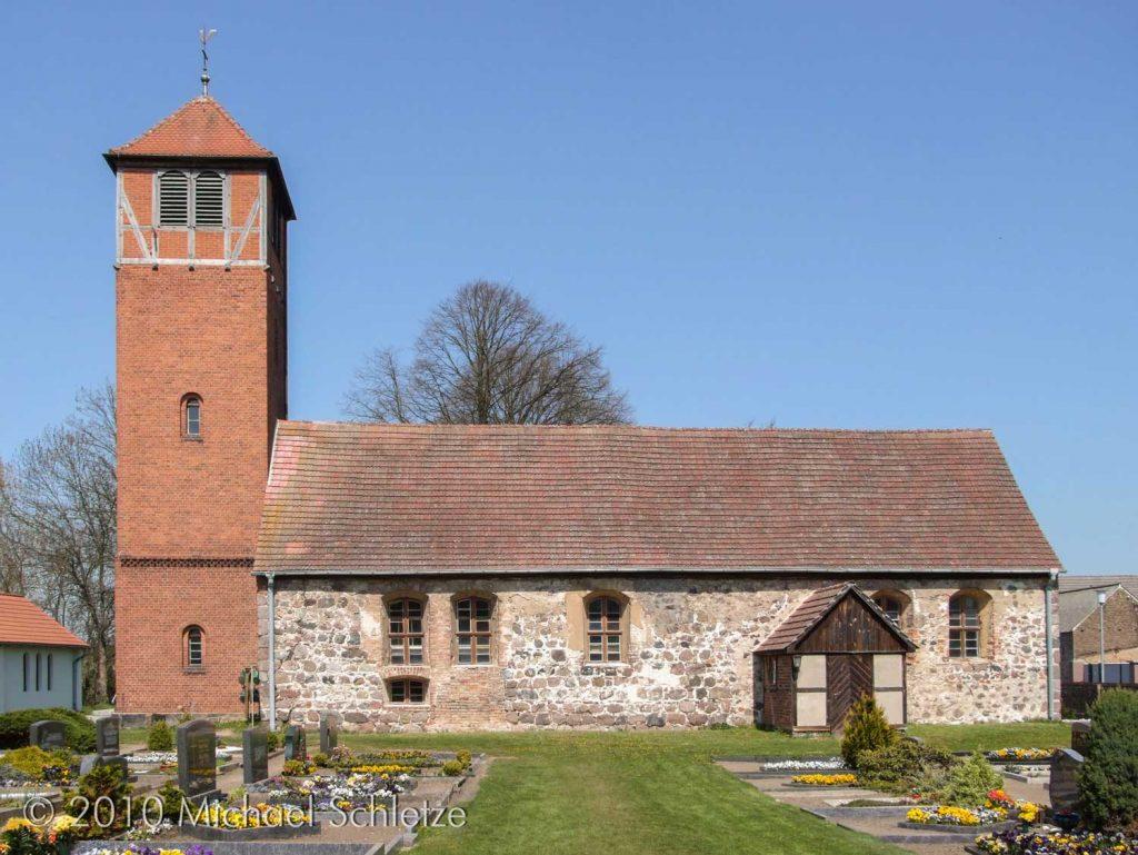 Ursprünglich ein einfacher kleiner Rechtecksaal: Die Dorfkirche von Zauchwitz
