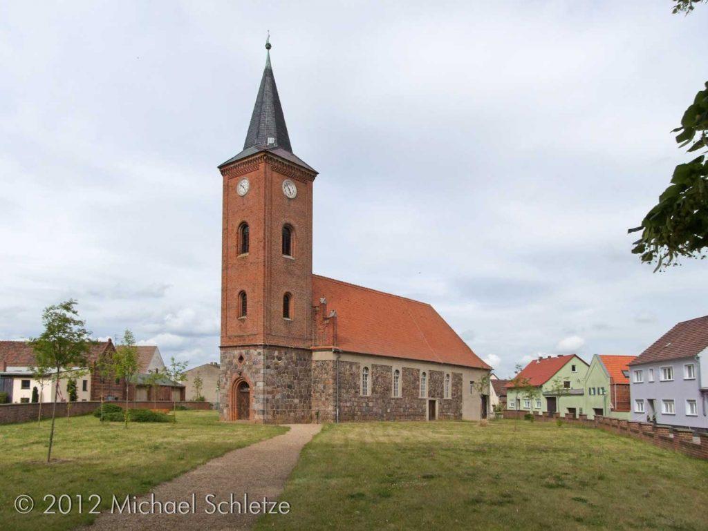 Dorfkirche Fredersdorf von Südwesten