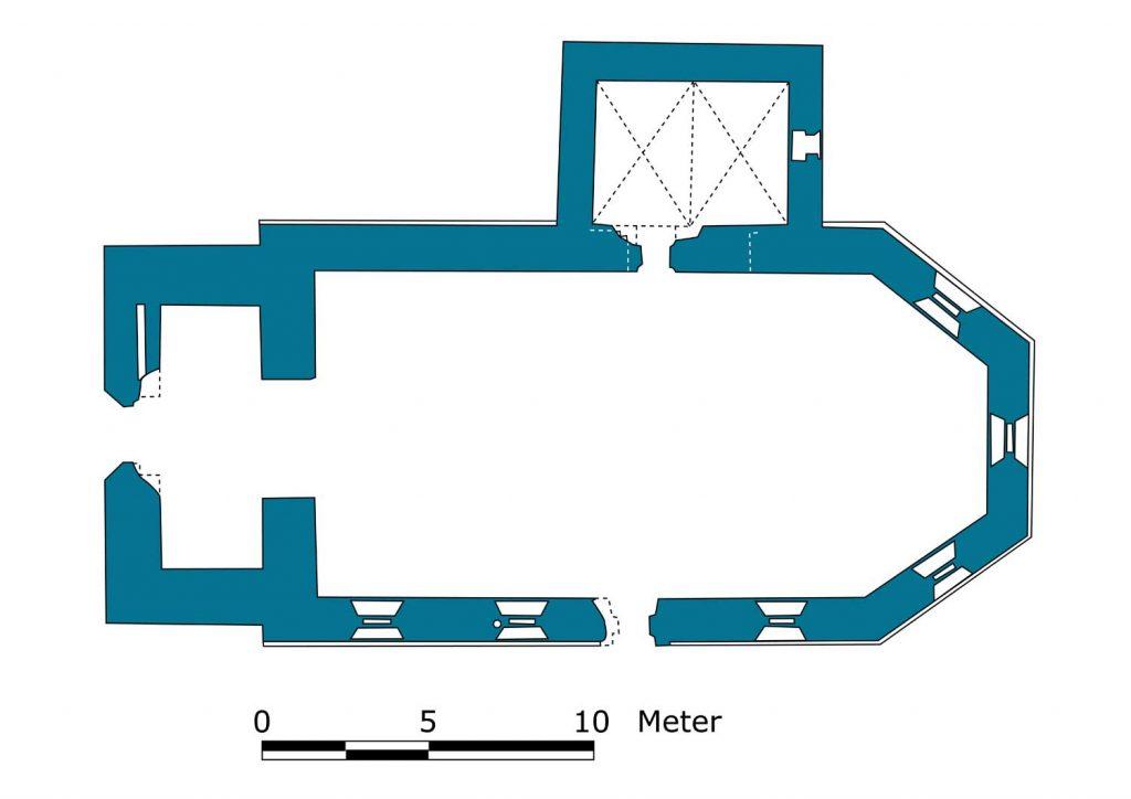 Schon der Grundriss mit polygonalem Schluss datiert das Bauwerk ins späte Mittelalter (Umzeichnung nach Goecke, S. 104, Abb. 85)