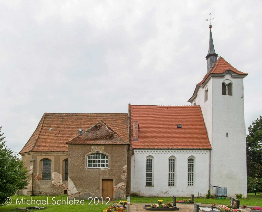 Durch mehrfache Umbauten fast bis zur Unkenntlichkeit verändert: Das spätromanische Gotteshaus von Martinskirchen
