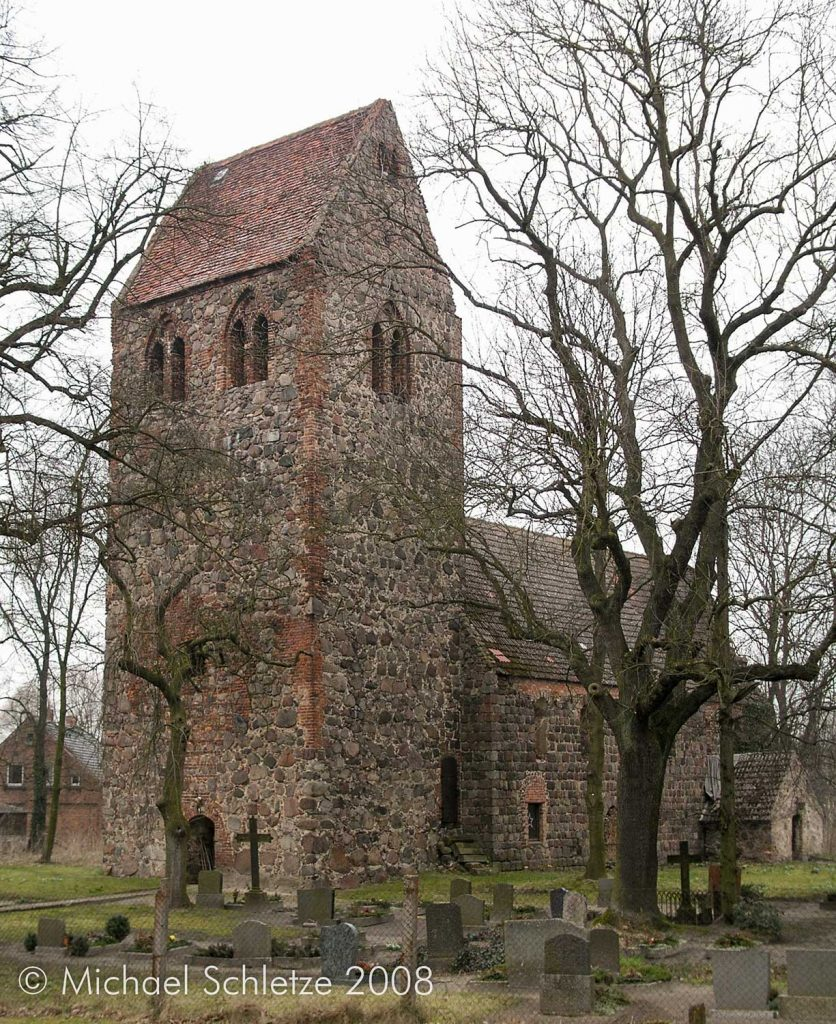 Dorfkirche Ringenwalde von Südwest